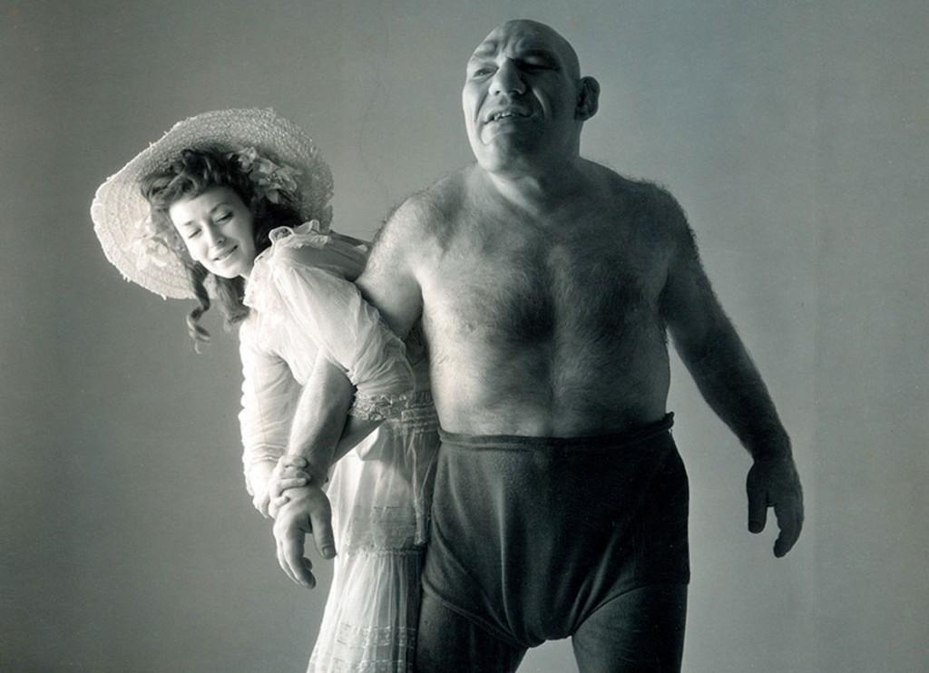 Dorian-Leigh-Maurice-Tillets-1945